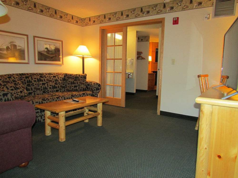 Living Area, AmeriVu Inn & Suites