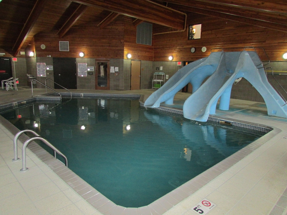 Indoor Pool, AmeriVu Inn & Suites
