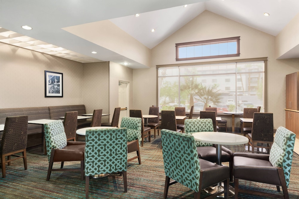 Breakfast Area, Residence Inn by Marriott Las Vegas South