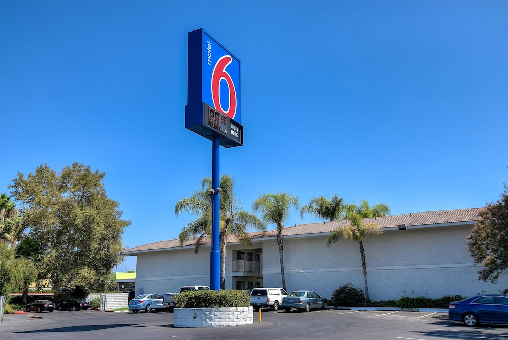Front of Property, Motel 6 Rowland Heights, CA - Los Angeles - Pomona