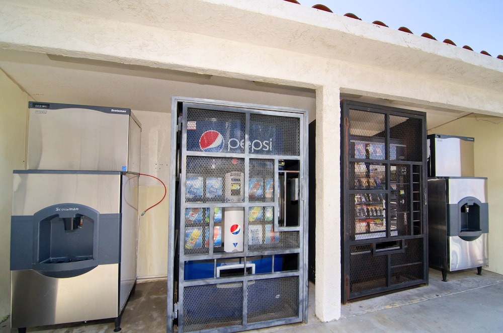 Vending Machine, Motel 6 North Palm Springs, CA - North