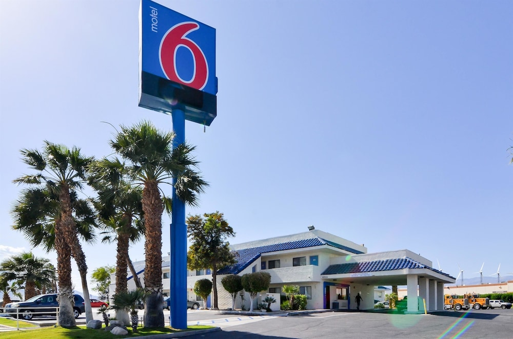 Front of Property, Motel 6 North Palm Springs, CA - North