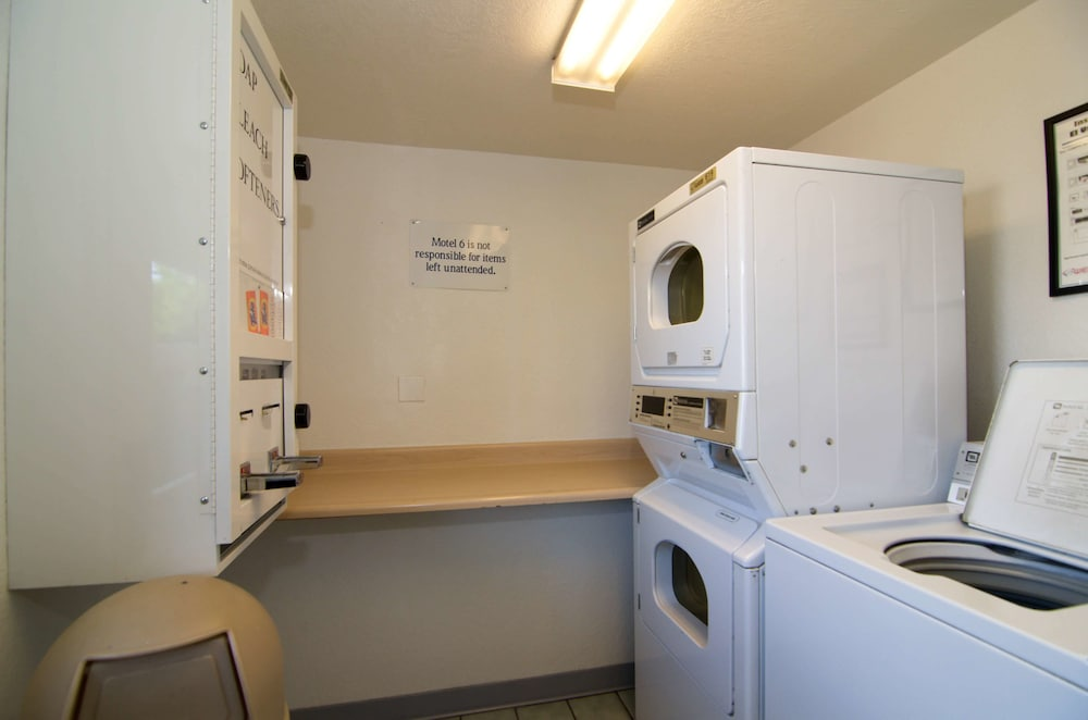 Laundry Room, Motel 6 North Palm Springs, CA - North