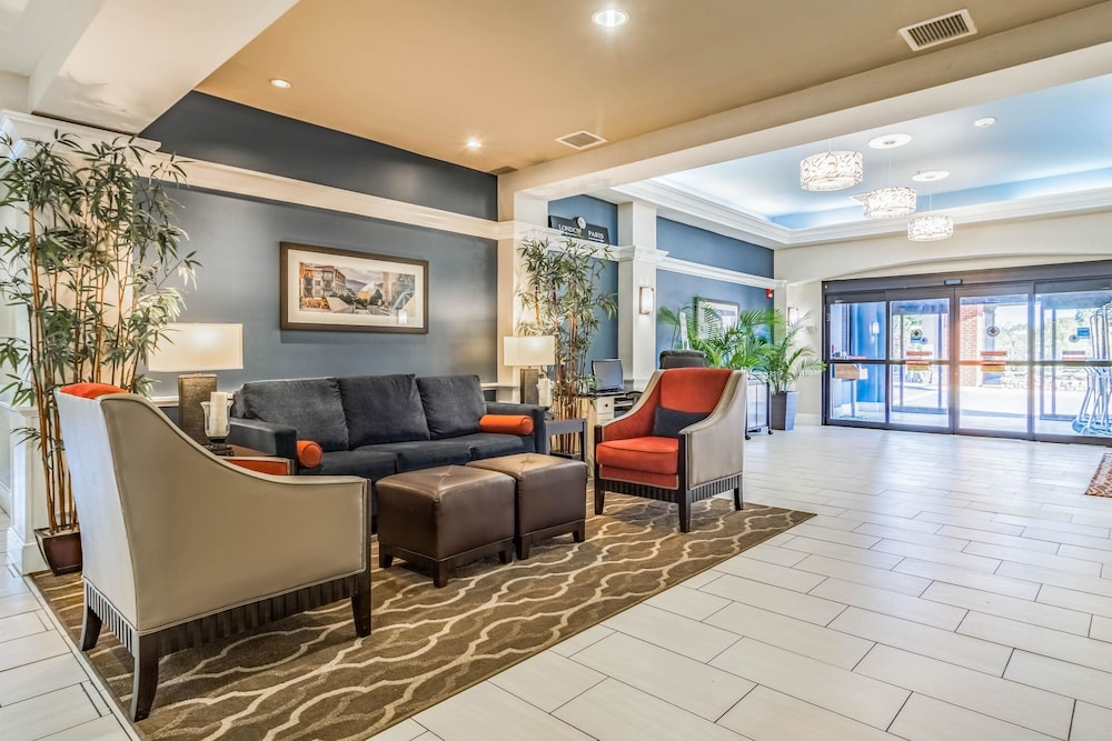 Lobby, Comfort Inn & Suites Lookout Mountain