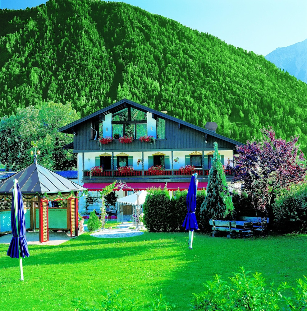 hotel der alpenhof bayrischzell hotelbewertungen 2018. Black Bedroom Furniture Sets. Home Design Ideas