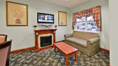 Americas Best Value Inn & Suites Lake Charles at I-210 Exit 5
