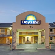 Days Inn by Wyndham Marietta White Water