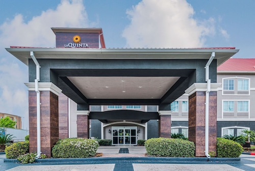 La Quinta Inn & Suites by Wyndham Tomball
