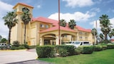 La Quinta Inn & Suites Tomball - Tomball Hotels