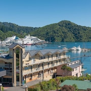 Picton Beachcomber Inn