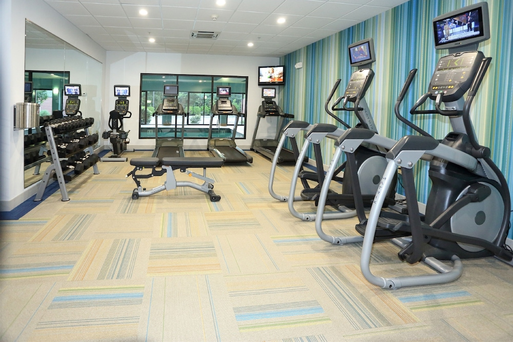 Fitness Facility, Holiday Inn Express & Suites Newport News
