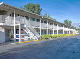 Motel 6 Bishop, CA