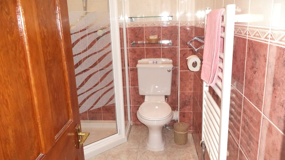 Bathroom, Acer Lodge Guest House