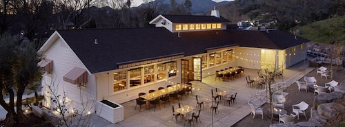 Outdoor Dining, Indian Springs Resort & Spa