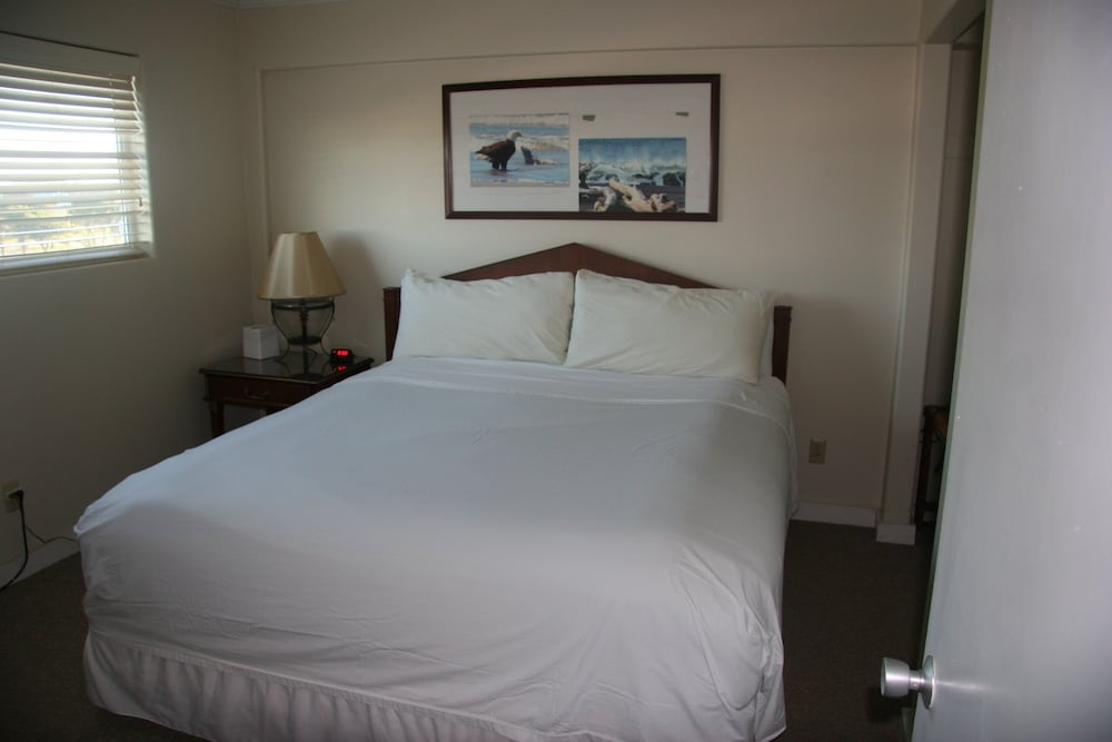 Room, Westport Inn