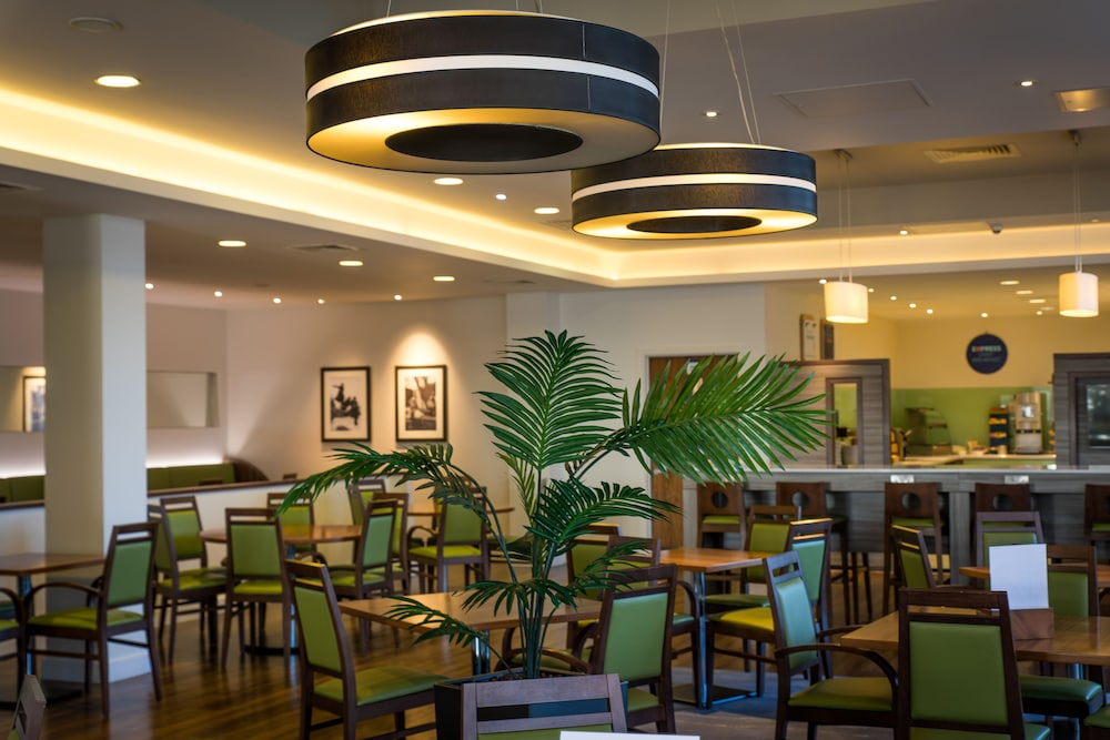 Breakfast Area, Holiday Inn Express London - ExCeL