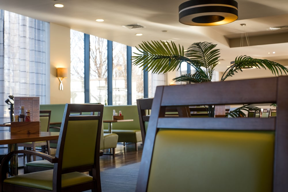 Restaurant, Holiday Inn Express London - ExCeL