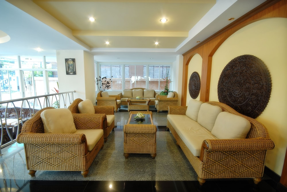 Lobby Sitting Area, Golden Villa