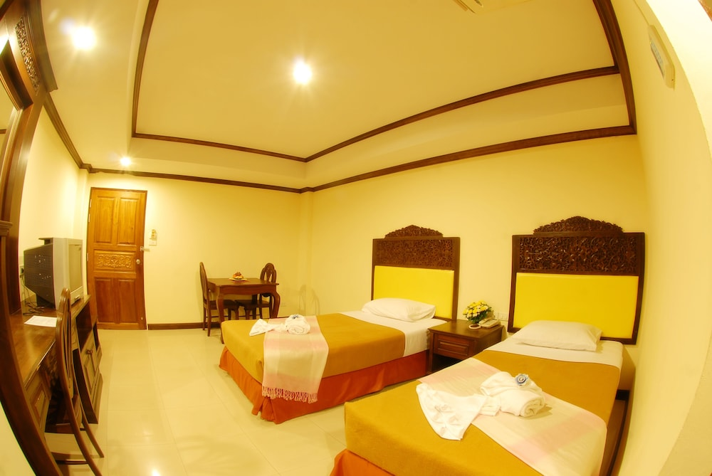 Room, Golden Villa