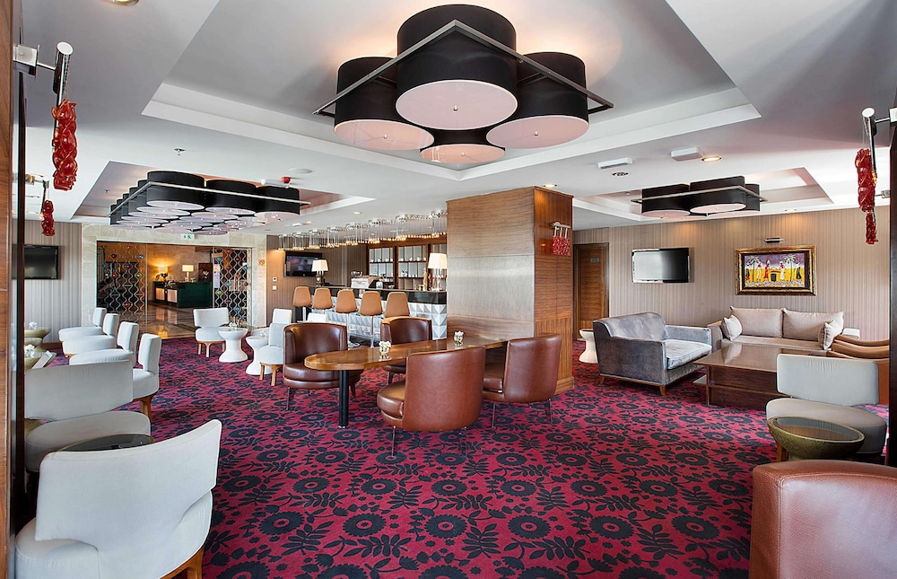 Reception, DoubleTree by Hilton Hotel Van
