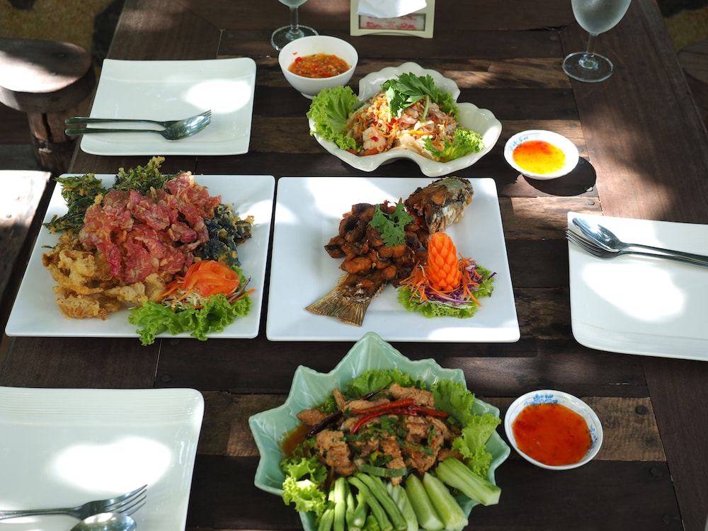 Food and Drink, Bailan Beach Resort