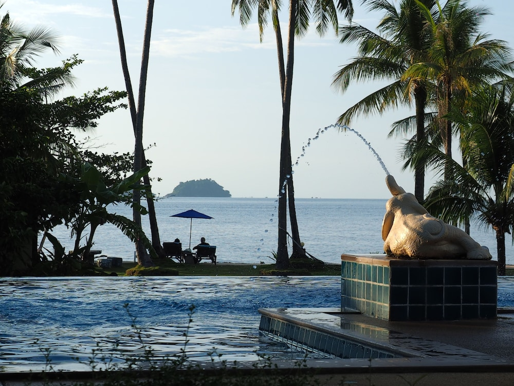 Infinity Pool, Bailan Beach Resort