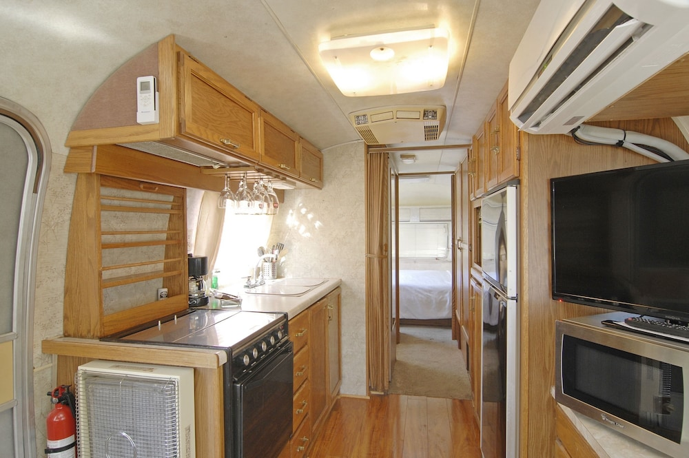 Private Kitchen, Palm Canyon Hotel & RV Resort