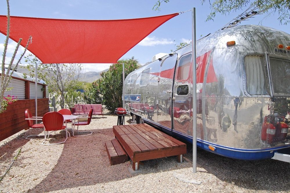 Terrace/Patio, Palm Canyon Hotel & RV Resort