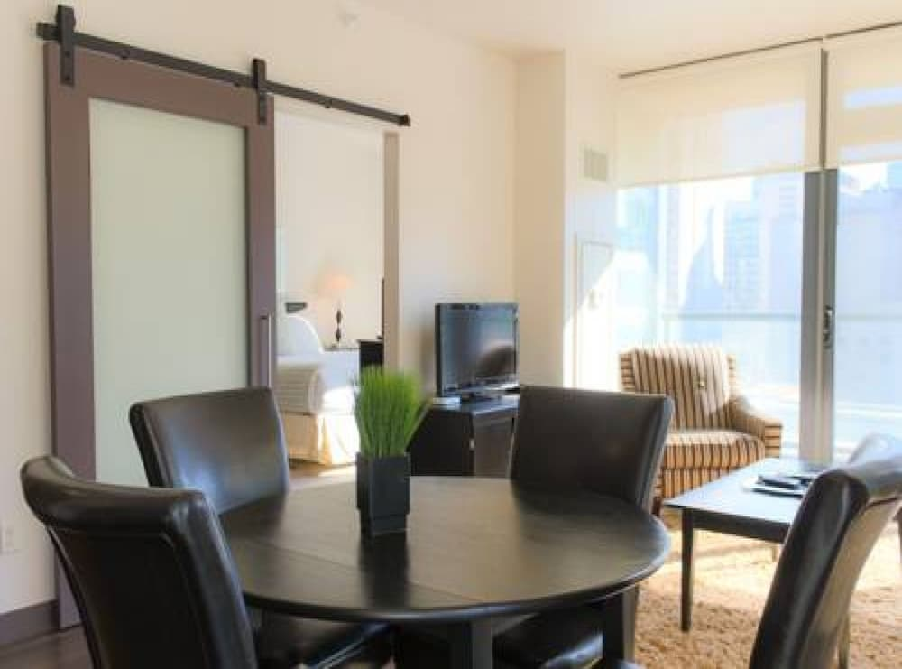 In-Room Dining, State and Grand by BridgeStreet