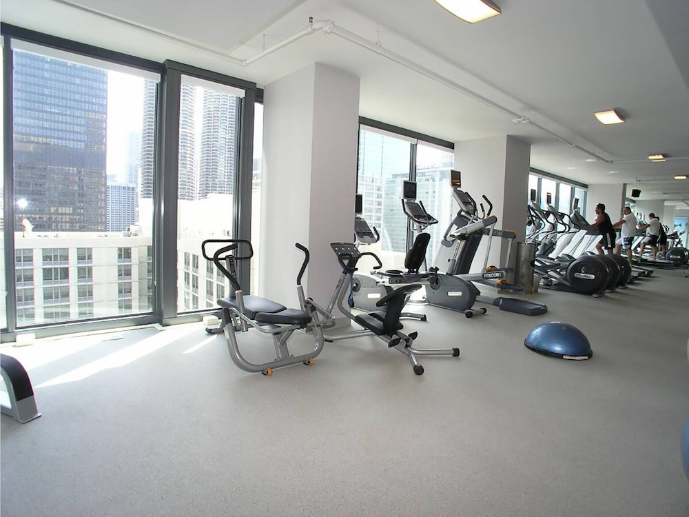 Fitness Facility, State and Grand by BridgeStreet