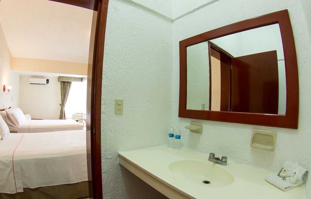 Bathroom, Hotel Estancia