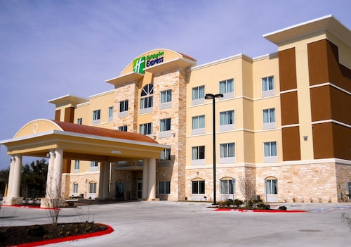 $59 Killeen Hotels with a Jacuzzi or Hot Tub in Room