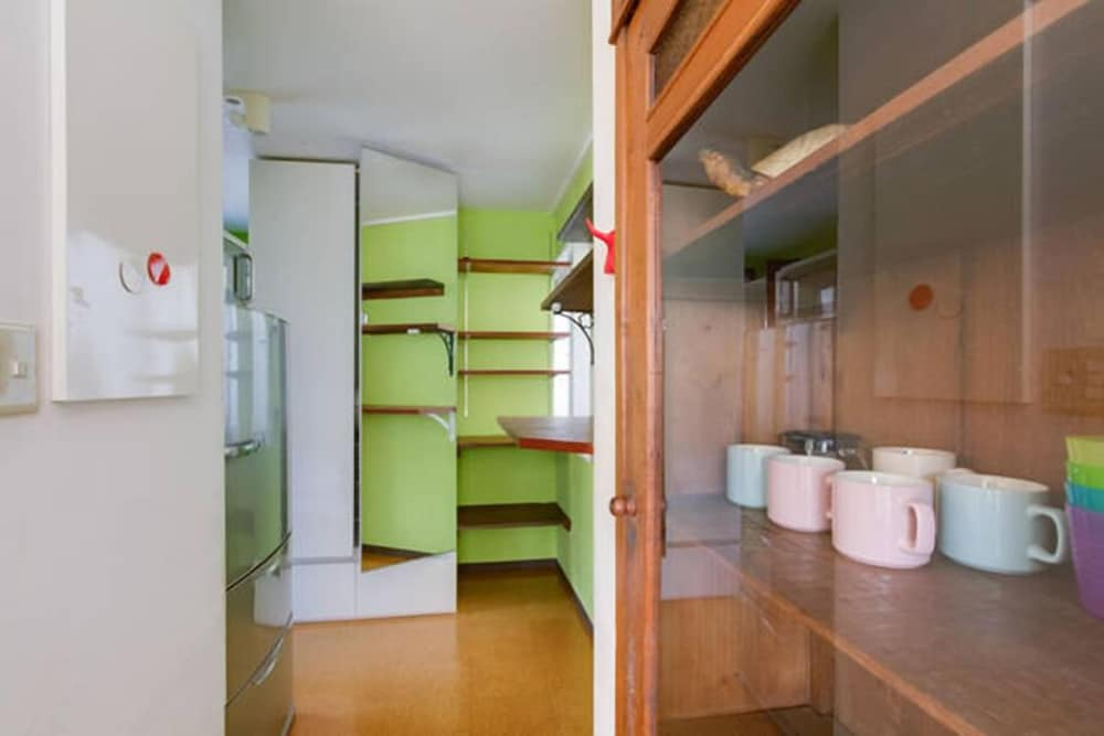bonsai guesthouse hostel osaka hotelbewertungen 2018. Black Bedroom Furniture Sets. Home Design Ideas