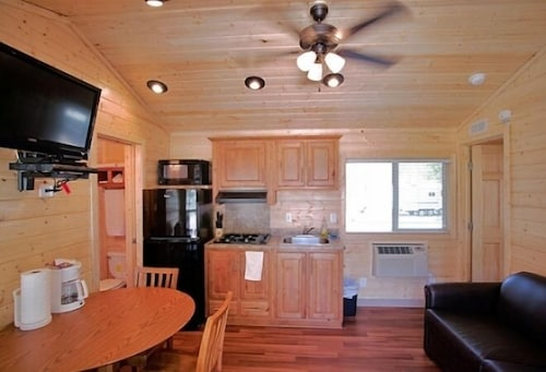Private Kitchenette, Soledad Canyon RV & Camping Resort