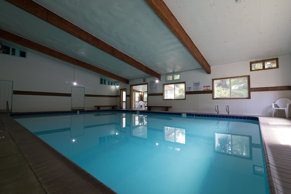 Exceptional 60/72 Indoor Pool