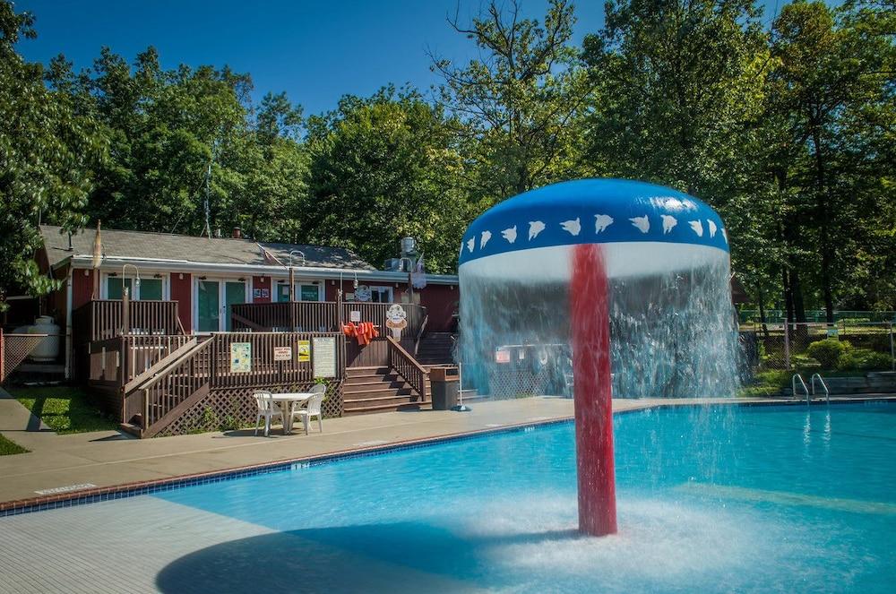 PA Dutch Country RV Resort - Caravan Park in Lancaster, PA