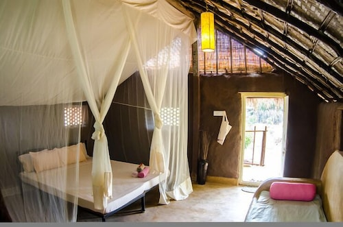 In-Room Dining, Banyan Tree Yoga