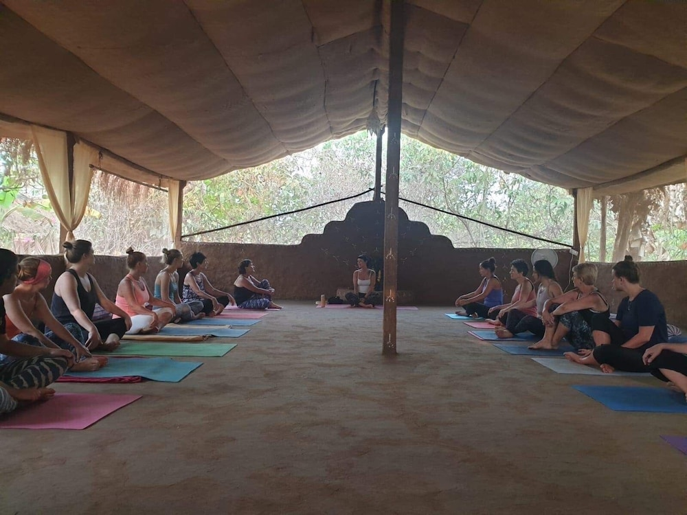 Yoga, Banyan Tree Yoga