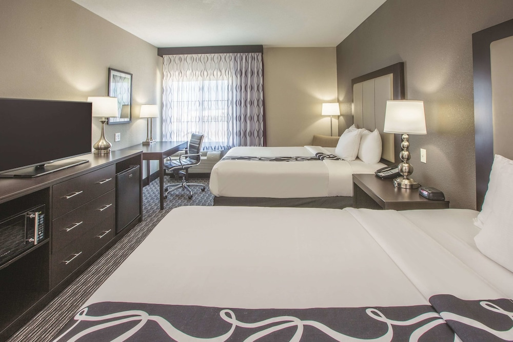 Room, La Quinta Inn & Suites by Wyndham Hattiesburg - I-59
