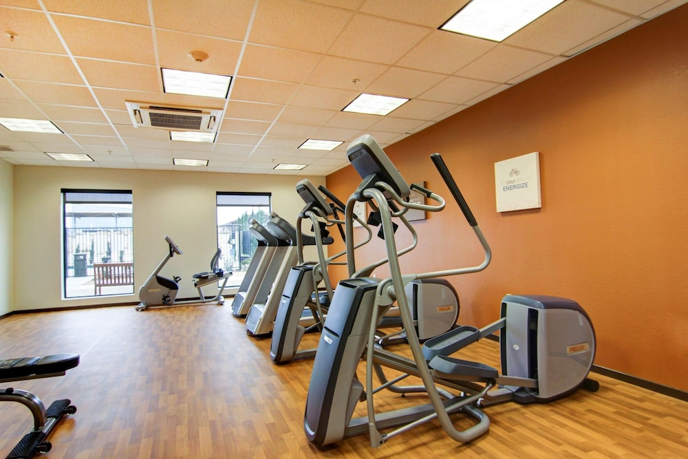 Fitness Facility, Comfort Suites Carlsbad