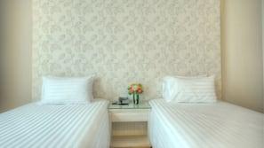 迷你吧、客房内保险箱、折叠床/加床(额外收费)、免费 WiFi