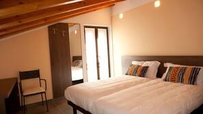 Minibar, Zimmersafe, Schreibtisch, kostenpflichtige Babybetten