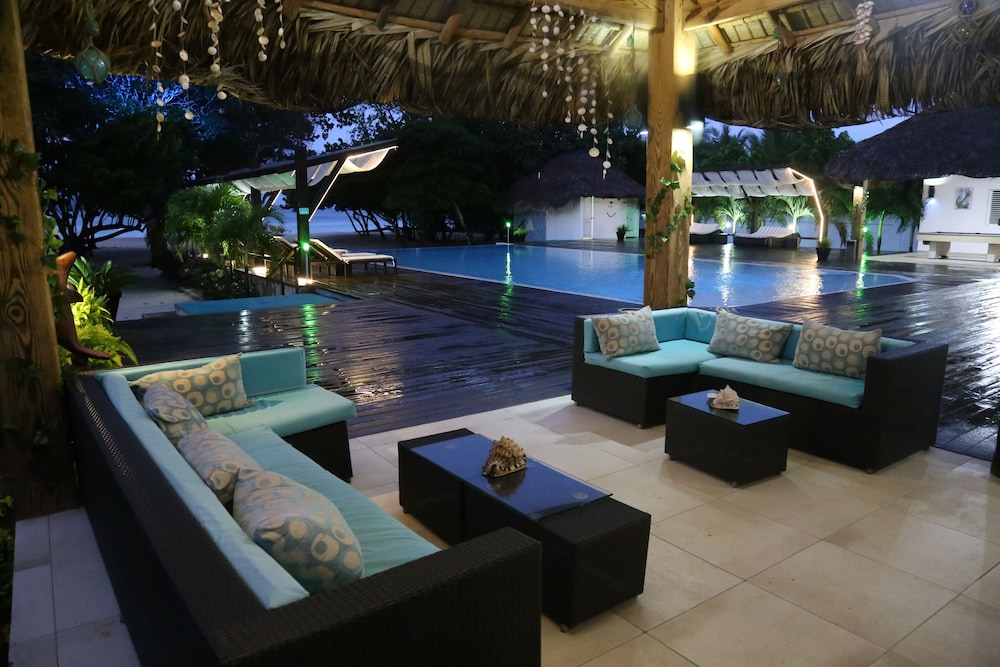 Poolside Bar, Punta Rucia lodge by Mint