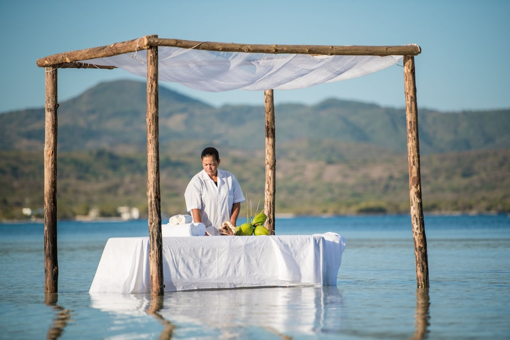 Massage, Punta Rucia lodge by Mint