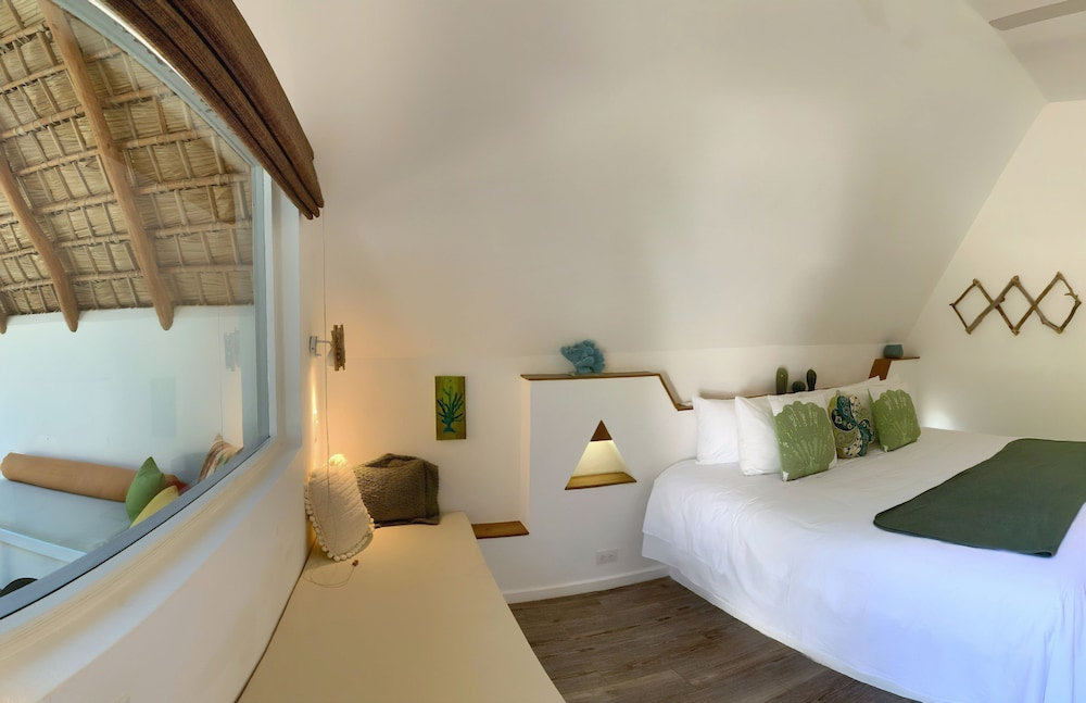 Room, Punta Rucia lodge by Mint