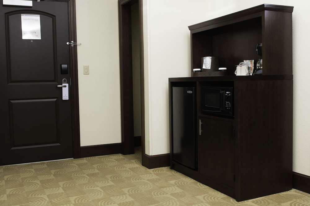 Private Kitchenette, Blue Lake Casino & Hotel