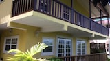 Grandtosh Luxury Apartments - Castries Hotels