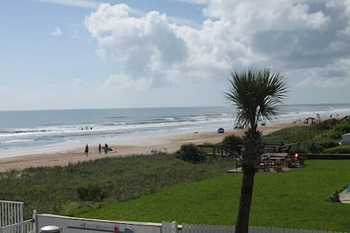 View from Property, Traders Inn Beach Club