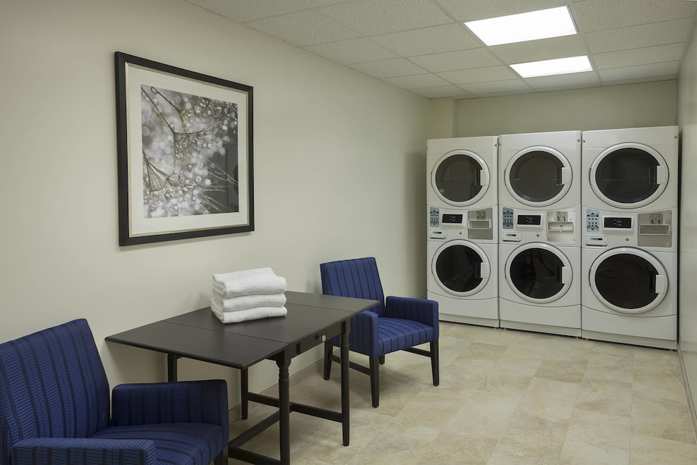 Laundry Room, TownePlace Suites by Marriott Toronto Northeast/Markham