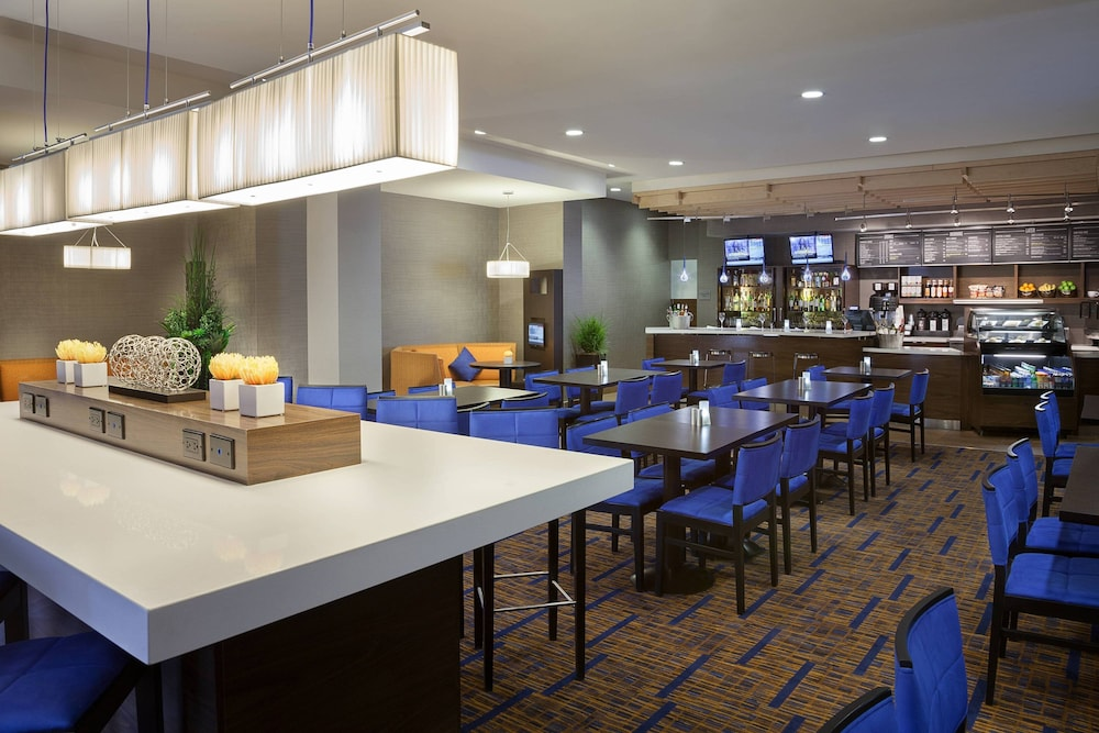Restaurant, TownePlace Suites by Marriott Toronto Northeast/Markham